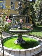 Großer Garten Springbrunnen mit Löwenköpfen 2,80 m Durchmesser 2,80 m hoch