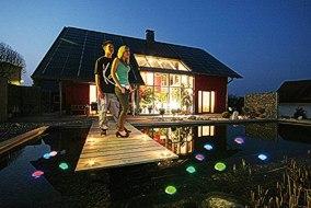 Farbige LED-Lichter für Teich