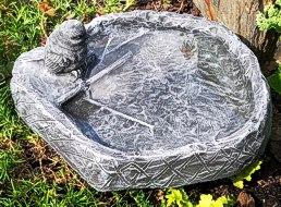 große Vogeltränke Stein