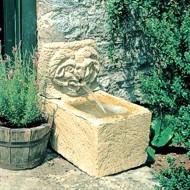 Natursteinbrunnen